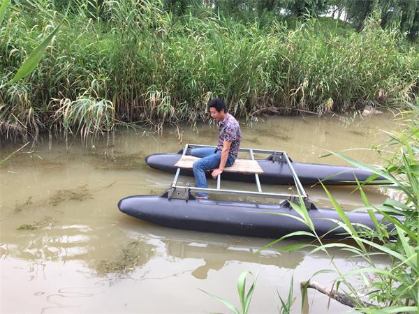 碳纤维浮筒水面测试
